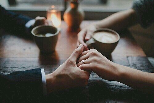 coffee-holding-hands-love-Favim.com-2194586