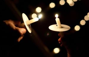 candlesHanded