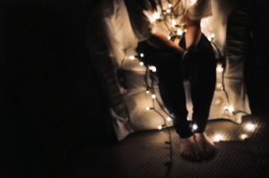 alone-blurry-christmas-eve-lights-lonely-Favim.com-190150