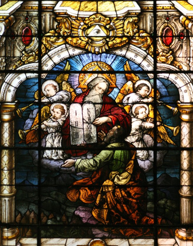 Moses_receives_the_Ten_Commandments_001